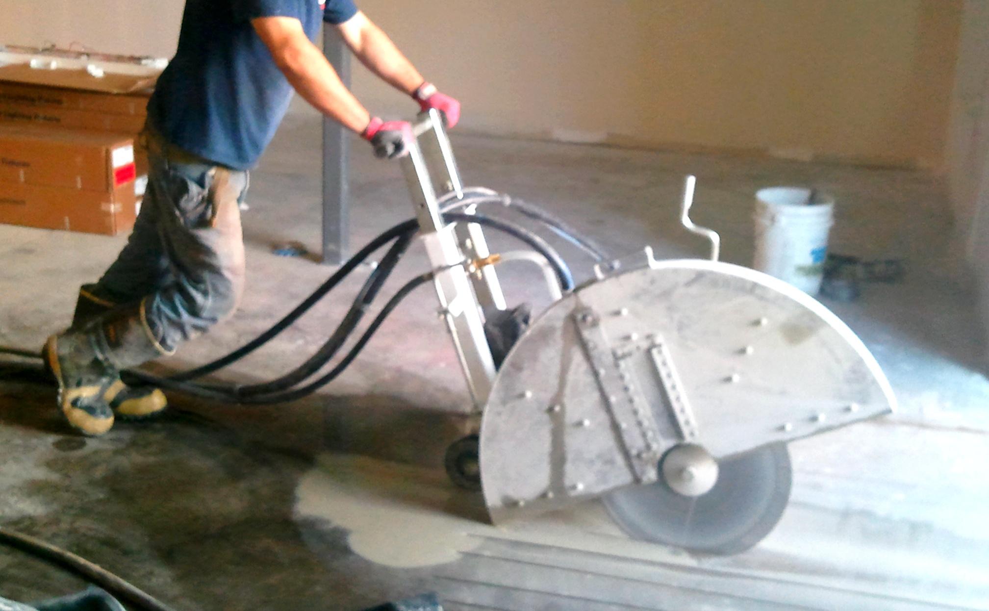 Lakásfelújítás – Falvágás és betonfúrás